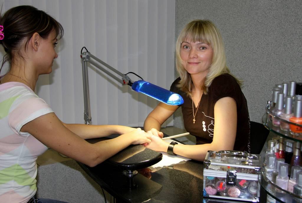 вакансии мастера маникюра и педикюра в москве: